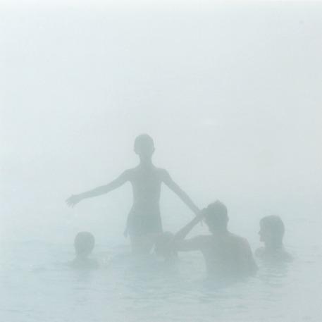 """Olafur Eliasson: Et af fem ubetitlede fotografier, fra serien """"The Chinese Series"""". Ed. 4/6. Alle signeret Olafur Eliasson 1997 verso. C-prints på plade. Indrammet enkeltvis. 29 x 29 cm."""