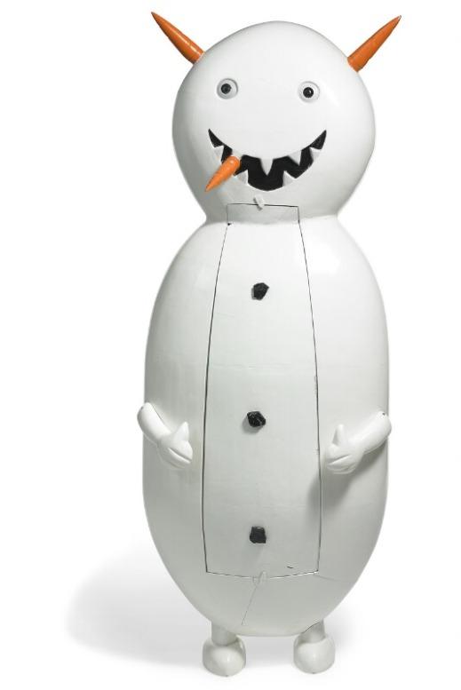 """Olaf Breuning: """"Mr. Melting Men (Icecream, Snowman og Chocolate)"""", 2004. Tre bemalede skulpturer (kister) i bemalet træ. Håndlavede af Samuel Nash, Accra, Ghana. Hhv. 240 x 100 x 30; 220 x 100 x 50 og 200 x 100 x 50."""